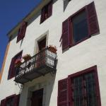 Hotel Pictures: Pyren Hab - Antigua Fonda Ademà, Salardú
