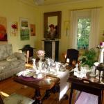 Hotel Pictures: Romantikzimmer im Antiquariat, Sonnschied
