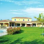 Hotel Pictures: Villa - L Isle-Sur-La-Sorgue, L'Isle-sur-la-Sorgue