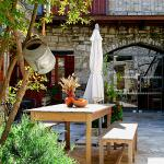 Hotel Pictures: Vavla Rustic Retreat, Vavla