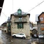 Hotel Pictures: Apartamentos Codallos, Tramacastilla de Tena