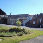 Hotel Pictures: Ferme des Hirondelles, Selens