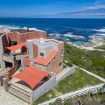 Hermanus Right-on-the-Beach House, Hermanus