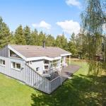 Hotel Pictures: Rømø Holiday Home 438, Mølby