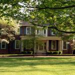 Charred Oaks Inn, Versailles