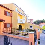 Holiday Home 111,  Pula