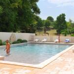 Hotel Pictures: Grand Bleu Vacances – Résidence La Closerie, Barjac