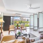Castle Waikiki Shore Luxury Two-Bedroom Apartment, Honolulu