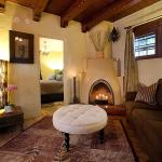 Casa de Tres Lunas/House of Three Moons, Santa Fe