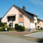 Hotel Pictures: Deluxe Ferienwohnung Am Beetzsee, Radewege