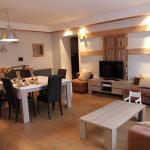 Hotel Pictures: La Grange des Griottiers, Saint-Priest