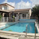 Hotel Pictures: Villa Lombrine, Saint-Laurent-d'Aigouze