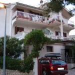 Apartments Varnica 1243, Grebaštica