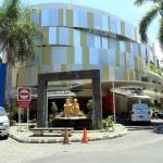 RedDoorz @ Istana Kuta Galeria,  Kuta