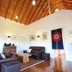 Hotel Pictures: Artist Cottage Ogishi Craft Centre, Lovedale