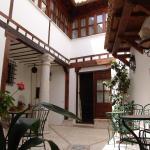 Hotel Pictures: Apartamentos La Columna, Chinchón