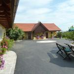 Hotellikuvia: Weingut- Gästezimmer Marko, Leutschach