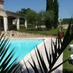 Hotel Pictures: La Bastide d'Eloise, Aramon