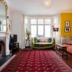 Veeve - Four Bedroom Family Home in Buckingham Palace, London
