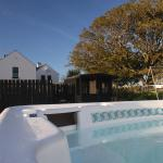 Hotel Pictures: Bayview Farm Holiday Cottages, Bushmills