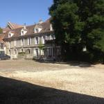 Hotel Pictures: Ferme De L'abbaye, Juilly