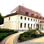 Hotel Świętoborzec, Łobez