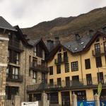 Hotel Pictures: Apartaments Pirinenc, Esterri dÀneu