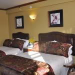 Hotel Pictures: Hotel Motel Le Château, Lac-Mégantic