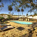 Hotel Pictures: Villa haria 3663, Haría