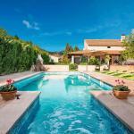 Hotel Pictures: Country House Lloseta 2469, Lloseta