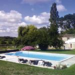 Hotel Pictures: Holiday Home Naussannes 01, Le Pic