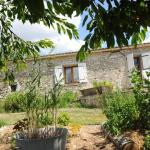 Hotel Pictures: Simply Bed and Breakfast, Saint-Jean-de-Duras