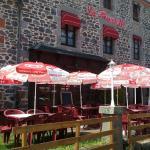 Hotel Pictures: Hôtel Restaurant La Pinatelle, Chalinargues