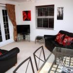 Hotel Pictures: Jago Apartment at Pravonix, Newbury