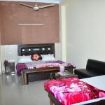 Hotel Re-Birth, Chandīgarh