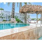 White Biscayne, Miami Beach