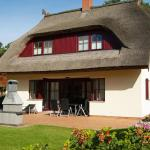 Hotel Pictures: Dünenresidenz Glowe - Haus Frieda, Klein Gelm