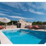 Holiday Home Dalmatia Stone House With Pool, Sumartin