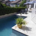 Hotel Pictures: La Mais'Ange, Berrias Et Casteljau