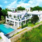Luxury 5 star beach villa 8 beds, Na Jomtien