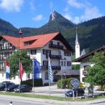 Hotel Pictures: Hotel zur Post, Kreuth