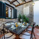Avalon House, Cavtat