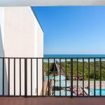Beacher's Lodge 307, Crescent Beach
