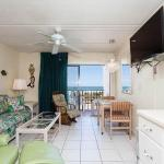 Beacher's Lodge 206, Crescent Beach
