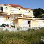 Kappatos Studios & Apartments, Lassi