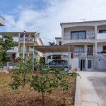 Apartments Pinsa 1940, Trogir