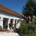 Hotelbilleder: Weingut Bohrn Himmelbett, Herrnbaumgarten