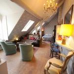 Apartment Rue Saint Honore, Paris