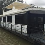 Hotelbilleder: Dinky Di House Boats, Moama