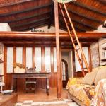 Hotel Pictures: Trianon Country Cottage, Marzagán